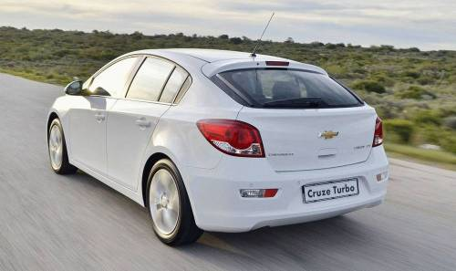 Chevrolet_Cruze_Turbo_2014-2015
