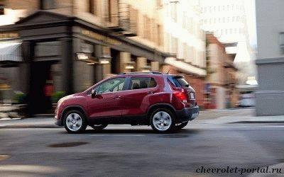 красный Chevrolet Tracker