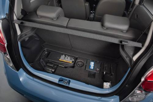 2014-Chevrolet-Spark багажник
