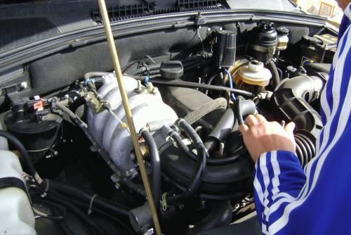 Осмотр двигателя Шевроле Нивы с пробегом