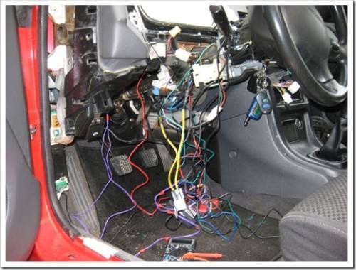 Распределяем провода в салоне