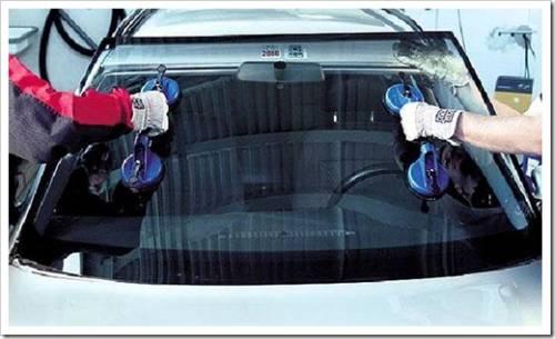 На что обращать внимание при выборе автомобильного стекла?