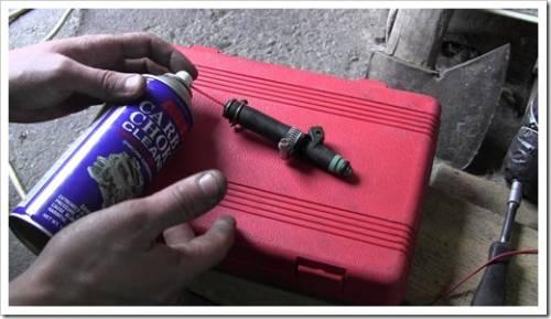 Подключение форсунки к аккумулятору и её качественная очистка