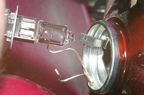 Какие лампы поставить в противотуманные фары