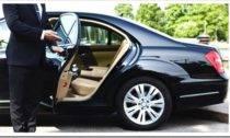 Автомобиль с водителем