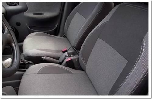 Чистые сидения автомобиля